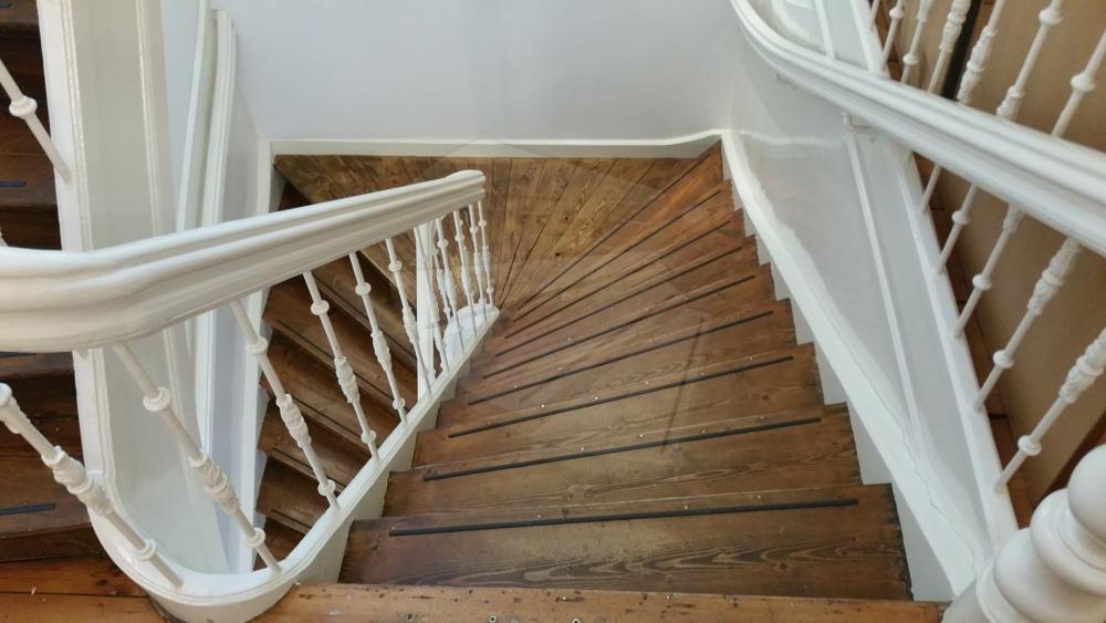 Houten trappen wenteltrappen moderne trappen open trappen